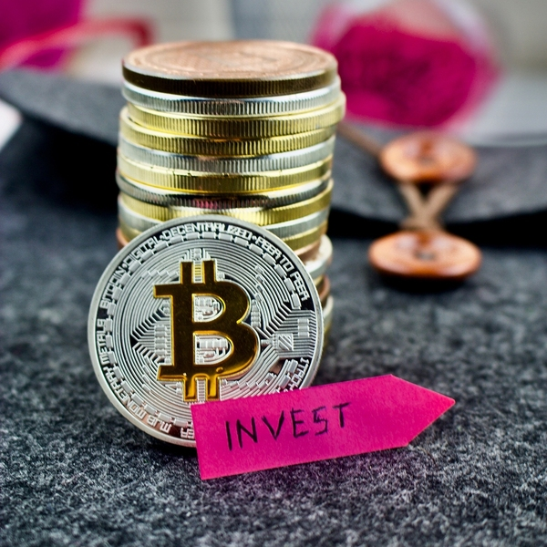 why do people invest in bitcoin