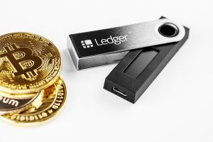 Set Up and Update the Ledger Nano S and X Hard Wallet, Step by Step